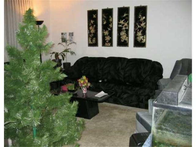 Photo 2: 411 CUMBERLAND Avenue in WINNIPEG: Central Winnipeg Condominium for sale : MLS® # 2618837