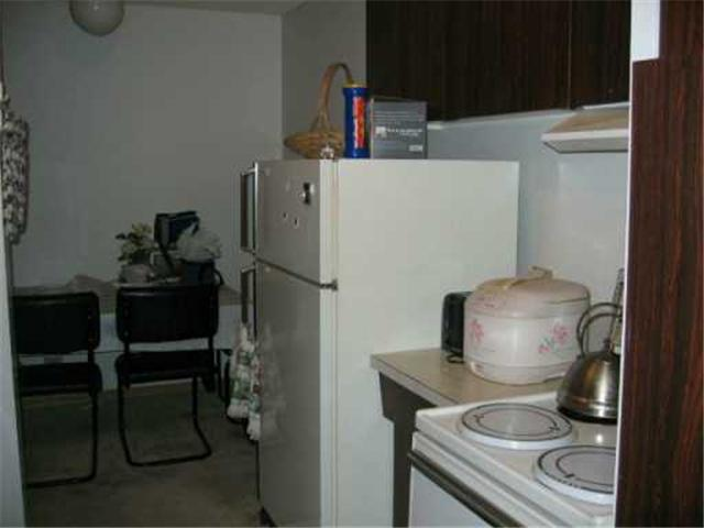 Photo 5: 411 CUMBERLAND Avenue in WINNIPEG: Central Winnipeg Condominium for sale : MLS® # 2618837
