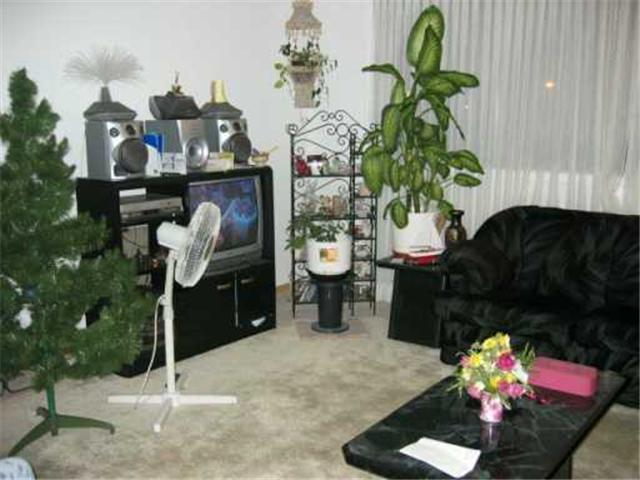 Photo 4: 411 CUMBERLAND Avenue in WINNIPEG: Central Winnipeg Condominium for sale : MLS® # 2618837