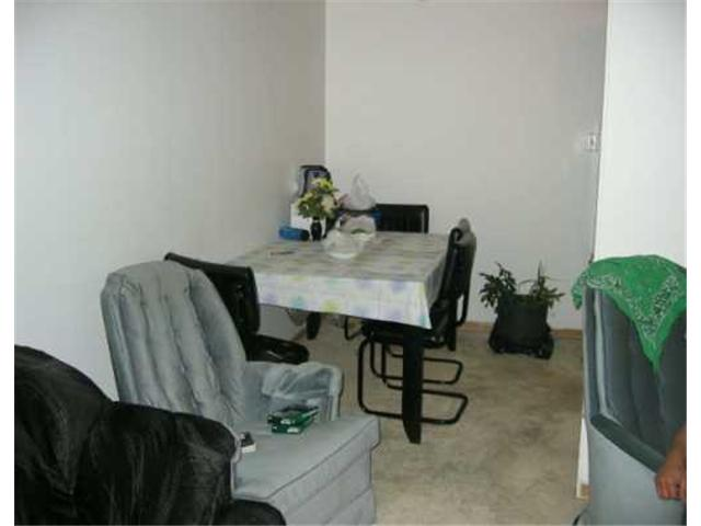 Photo 3: 411 CUMBERLAND Avenue in WINNIPEG: Central Winnipeg Condominium for sale : MLS® # 2618837