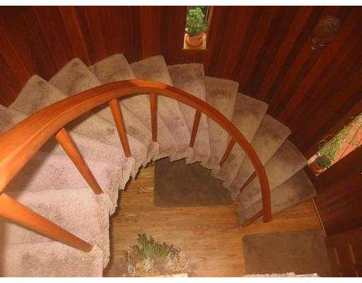Spiral staircaise with custom made handrail
