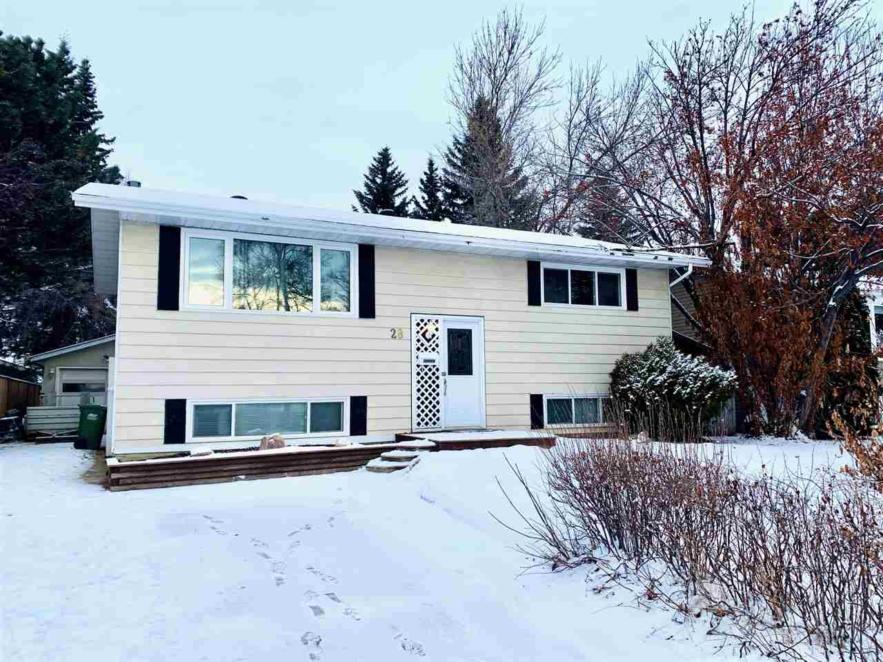 FEATURED LISTING: 28 LAMBERT Crescent St. Albert