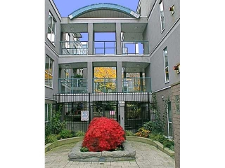 "Main Photo: 22 1388 W 6TH Avenue in Vancouver: Fairview VW Condo for sale in ""THE NOTTINGHAM"" (Vancouver West)  : MLS(r) # V857797"