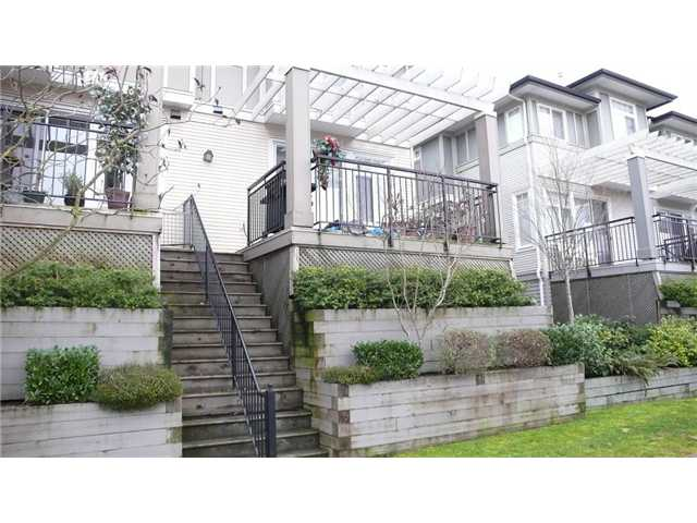 "Main Photo: 4 1010 EWEN Avenue in New Westminster: Queensborough Townhouse for sale in ""WINDSOR MEWS"" : MLS® # V865507"