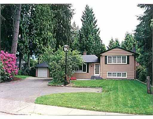 Main Photo: 2650 EDGEMONT Blvd in North Vancouver: Capilano Highlands House for sale : MLS(r) # V620252