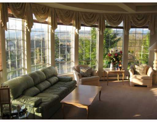 "Photo 3: 8050 REIGATE Road in Burnaby: Burnaby Lake House for sale in ""LAKEFIELD"" (Burnaby South)  : MLS(r) # V760809"