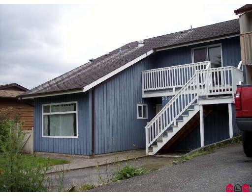 Main Photo: 2728 SANDON Drive in Abbotsford: Abbotsford East House 1/2 Duplex for sale : MLS®# F2817976