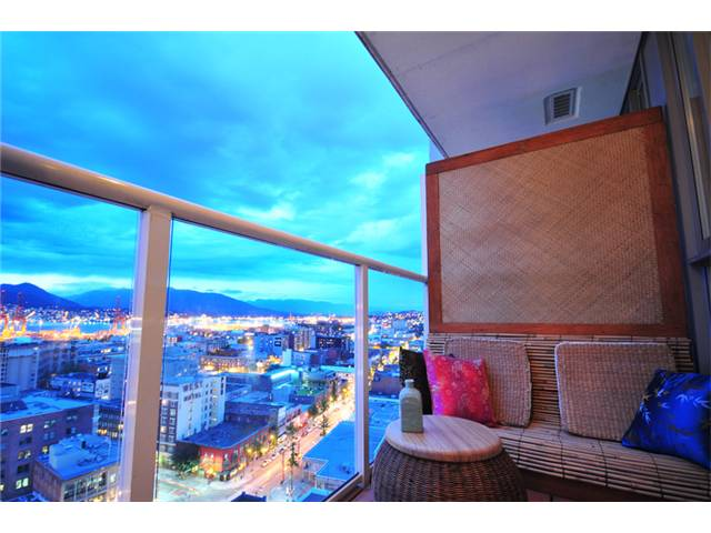 Photo 3: 2305 550 TAYLOR Street in Vancouver: Downtown VW Condo for sale (Vancouver West)  : MLS(r) # V840499