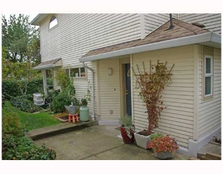 "Main Photo: 20 4321 SOPHIA Street in Vancouver: Main Townhouse for sale in ""WELTON COURT"" (Vancouver East)  : MLS®# V741284"