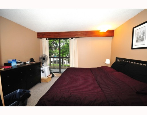 "Photo 7: 208 708 8TH Avenue in New Westminster: Uptown NW Condo  in ""VILLA FANISEAN"" : MLS(r) # V803047"