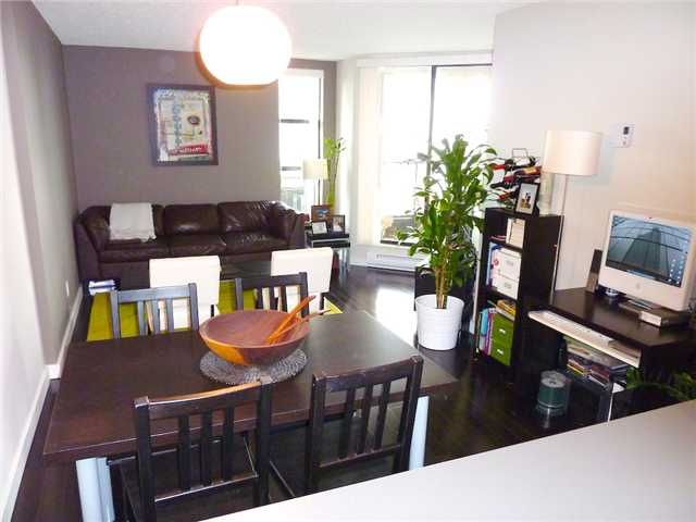 "Photo 2: 604 1040 PACIFIC Street in Vancouver: West End VW Condo for sale in ""CHELSEA TERRACE"" (Vancouver West)  : MLS® # V820153"