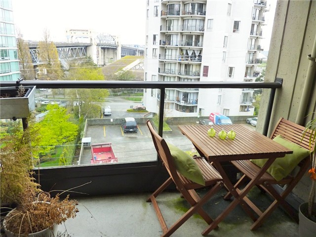 "Photo 9: 604 1040 PACIFIC Street in Vancouver: West End VW Condo for sale in ""CHELSEA TERRACE"" (Vancouver West)  : MLS® # V820153"