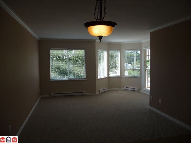 "Photo 2: 303 1280 FIR Street: White Rock Condo for sale in ""OCEANA VILLAGE"" (South Surrey White Rock)  : MLS(r) # F1021363"
