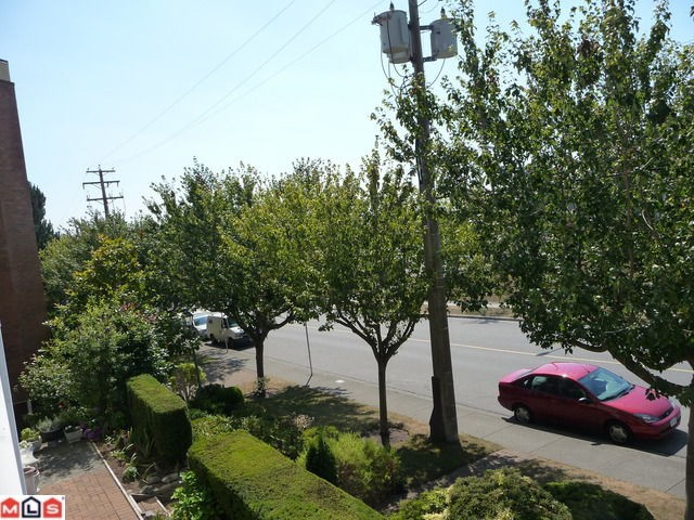 "Photo 7: 303 1280 FIR Street: White Rock Condo for sale in ""OCEANA VILLAGE"" (South Surrey White Rock)  : MLS(r) # F1021363"