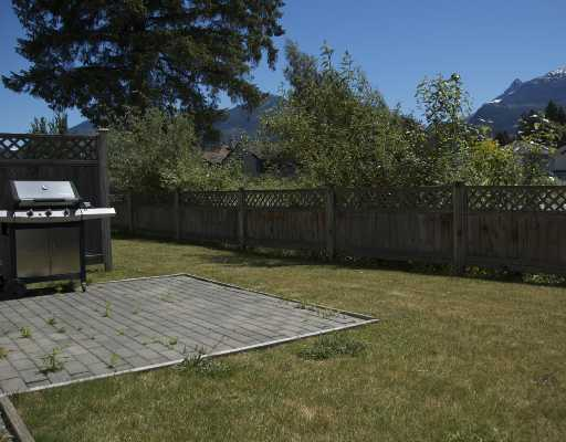 "Photo 10: 14 1821 WILLOW in Squamish: Garibaldi Estates Townhouse for sale in ""WILLOW VILLAGE"" : MLS® # V720857"