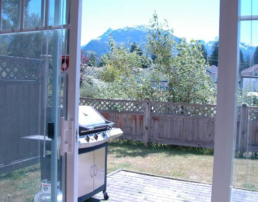 "Photo 8: 14 1821 WILLOW in Squamish: Garibaldi Estates Townhouse for sale in ""WILLOW VILLAGE"" : MLS® # V720857"