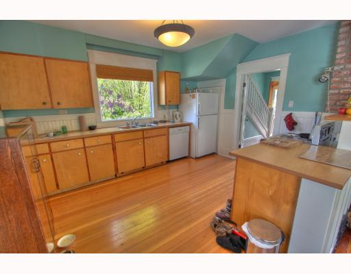 Photo 3: 2065 WILLIAM Street in Vancouver: Grandview VE House for sale (Vancouver East)  : MLS® # V764930