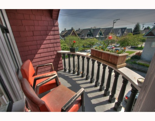 Photo 8: 2065 WILLIAM Street in Vancouver: Grandview VE House for sale (Vancouver East)  : MLS® # V764930