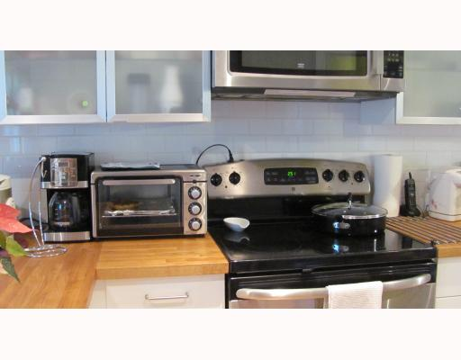 "Photo 3: 1013 LONDON Street in New Westminster: Moody Park House for sale in ""MOODY PARK"" : MLS(r) # V805434"