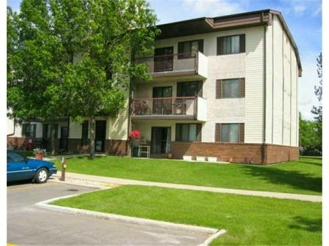 Main Photo: 20 LAKE CREST Road in WINNIPEG: Fort Garry / Whyte Ridge / St Norbert Condominium for sale (South Winnipeg)  : MLS® # 2407804