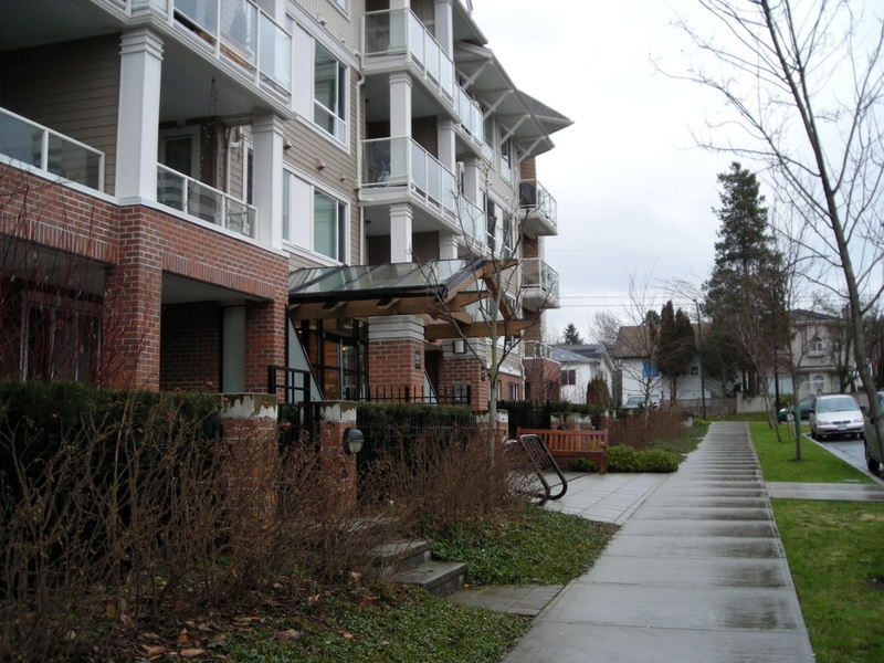 Photo 9: 106 3651 FOSTER Avenue in Vancouver: Collingwood VE Condo for sale (Vancouver East)  : MLS(r) # V864032