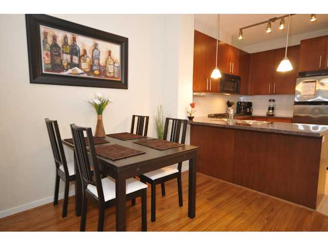 Photo 13: 106 3651 FOSTER Avenue in Vancouver: Collingwood VE Condo for sale (Vancouver East)  : MLS(r) # V864032