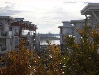 "Main Photo: 402 4280 MONCTON Street in Richmond: Steveston South Condo for sale in ""THE VILLAGE"" : MLS® # V744178"