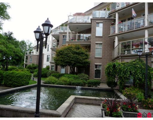 "Main Photo: 406 15340 19A Avenue in Surrey: King George Corridor Condo for sale in ""STRATFORD GARDENS"" (South Surrey White Rock)  : MLS® # F2914503"