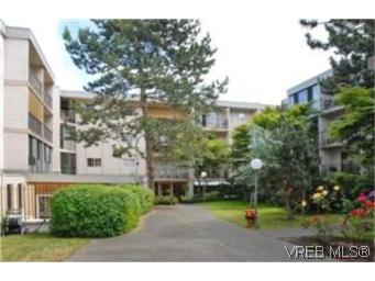 Main Photo: 106 3225 Eldon Place in VICTORIA: SW Rudd Park Condo Apartment for sale (Saanich West)  : MLS® # 250372