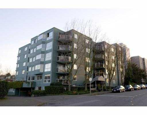 "Main Photo: 401 1510 W 1ST Avenue in Vancouver: False Creek Condo for sale in ""MARINER'S POINT"" (Vancouver West)  : MLS®# V750023"
