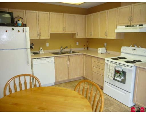 "Photo 3: 130 3160 TOWNLINE Road in Abbotsford: Abbotsford West Townhouse for sale in ""SOUTHPOINT RIDGE"" : MLS(r) # F2906113"