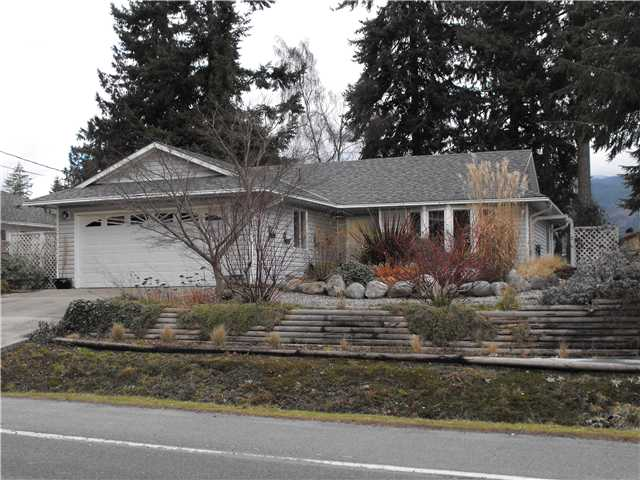 Main Photo: 5692 TRAIL Avenue in Sechelt: Sechelt District House for sale (Sunshine Coast)  : MLS(r) # V846407
