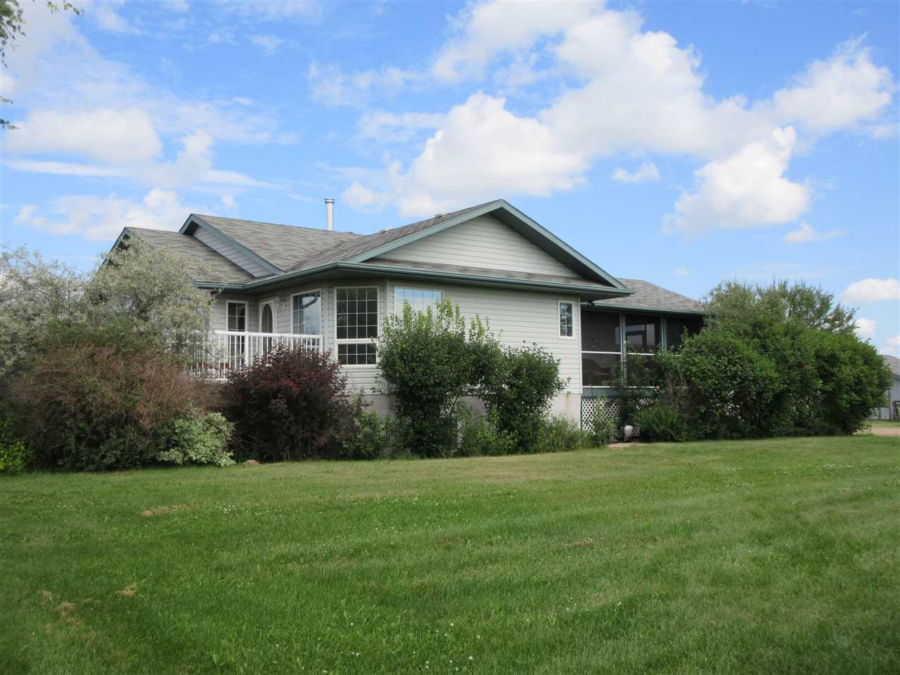 FEATURED LISTING: 22312 Twp Rd 580 Rural Thorhild County