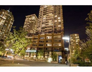 "Main Photo: 1501 977 MAINLAND Street in Vancouver: Downtown VW Condo for sale in ""YALETOWN PARK III"" (Vancouver West)  : MLS® # V813611"