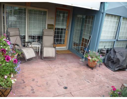 "Main Photo: 2388 ALDER Street in Vancouver: Fairview VW Condo for sale in ""ALDER COURT"" (Vancouver West)  : MLS®# V776880"