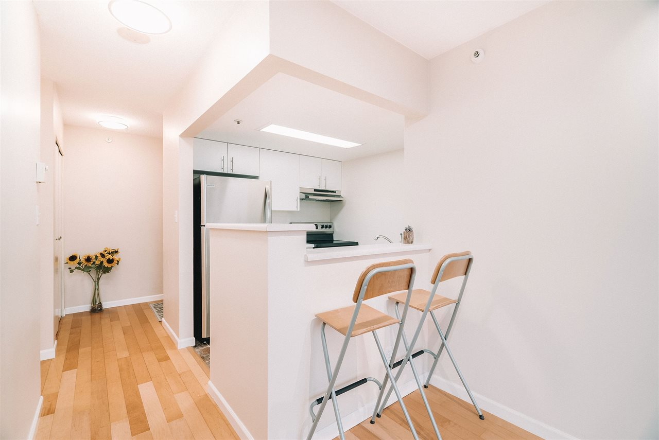 FEATURED LISTING: 607 - 838 AGNES Street New Westminster