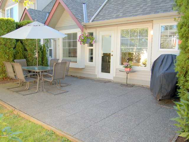 "Photo 9: 53 23085 118TH Avenue in Maple Ridge: East Central Townhouse for sale in ""SOMMERVILLE GARDENS"" : MLS® # V856233"