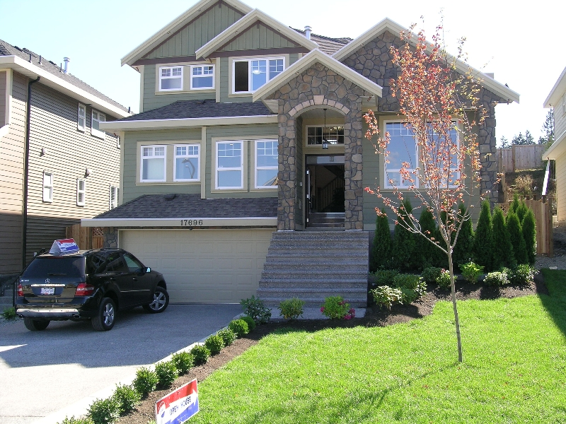 Main Photo: 17696 101ST Avenue in Surrey: Fraser Heights House for sale (North Surrey)  : MLS® # F2902802