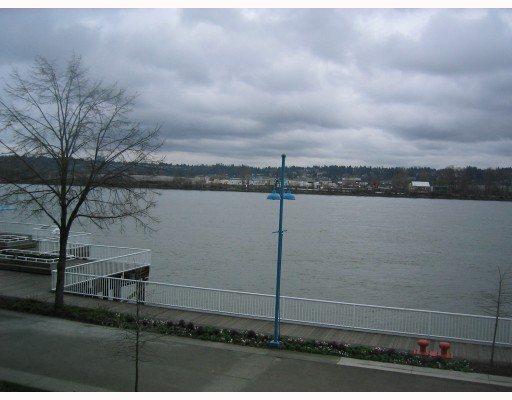 "Photo 10: 204 3 K DE K Court in New_Westminster: Quay Condo for sale in ""QUAYSIDE TERRACE"" (New Westminster)  : MLS® # V759422"