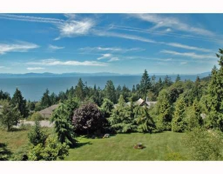 "Main Photo: 387 VERNON Place in Gibsons: Gibsons & Area House for sale in ""ISLANDVIEW ESTATES"" (Sunshine Coast)  : MLS®# V787669"