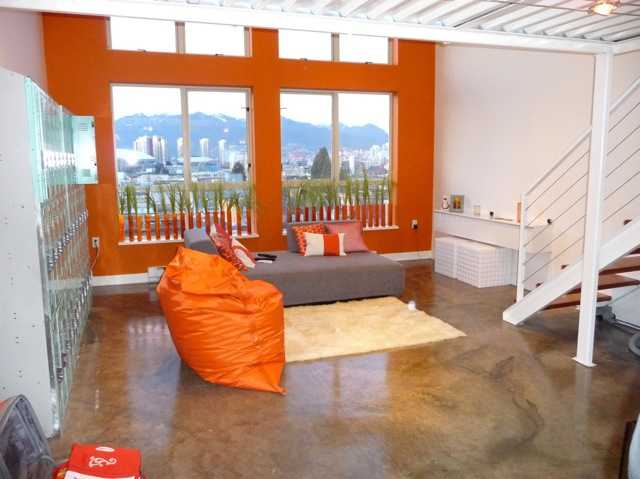 "Photo 2: 402 338 W 8TH Avenue in Vancouver: Mount Pleasant VW Condo for sale in ""LOFT 338"" (Vancouver West)  : MLS(r) # V857880"