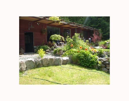 Main Photo: 7040 SKANA Crescent in Sechelt: Sechelt District House for sale (Sunshine Coast)  : MLS® # V755849