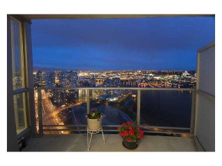 Main Photo: 3907 1408 STRATHMORE MEWS in Vancouver: False Creek North Condo for sale (Vancouver West)  : MLS(r) # V840152