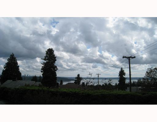 Main Photo: 1782 15TH Street in West_Vancouver: Ambleside House for sale (West Vancouver)  : MLS®# V768115