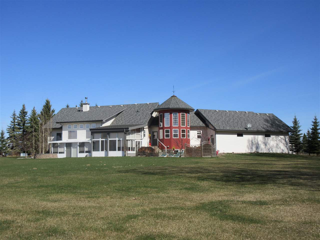 FEATURED LISTING: 24315 TWP RD 552 Rural Sturgeon County