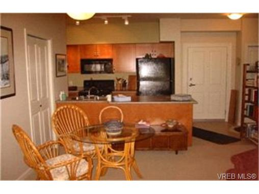 Photo 2: 107 1959 Polo Park Crescent in : CS Saanichton Condo Apartment for sale (Central Saanich)  : MLS(r) # 213887