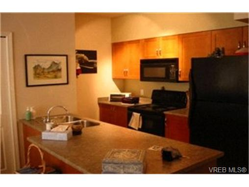 Photo 4: 107 1959 Polo Park Crescent in : CS Saanichton Condo Apartment for sale (Central Saanich)  : MLS(r) # 213887