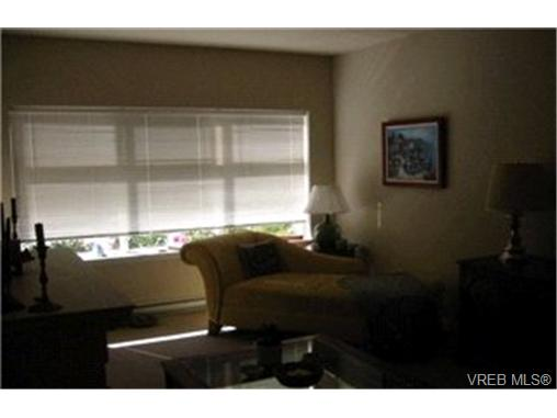 Photo 5: 107 1959 Polo Park Crescent in : CS Saanichton Condo Apartment for sale (Central Saanich)  : MLS(r) # 213887