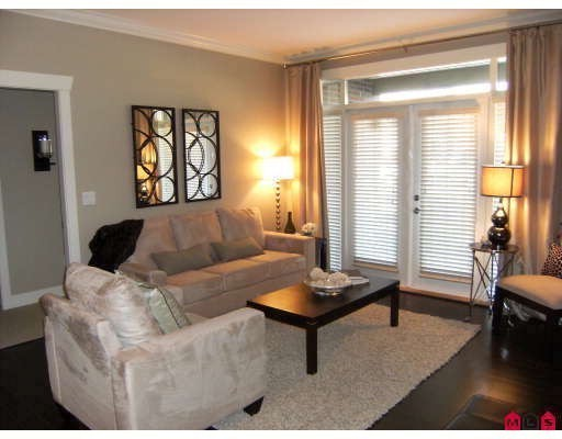 "Photo 2: 401 15368 17A Avenue in Surrey: King George Corridor Condo for sale in ""OCEAN WYNDE"" (South Surrey White Rock)  : MLS® # F2910535"