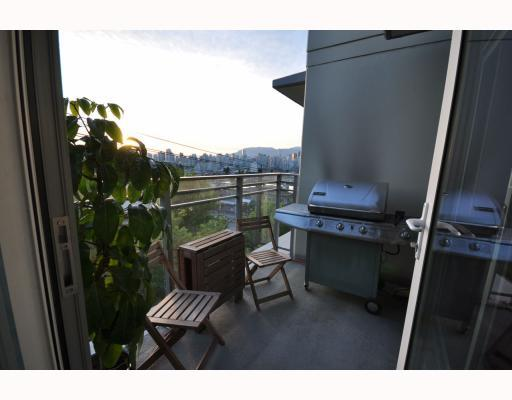 "Photo 5: 402 2520 MANITOBA Street in Vancouver: Mount Pleasant VW Condo for sale in ""THE VUE"" (Vancouver West)  : MLS(r) # V768462"